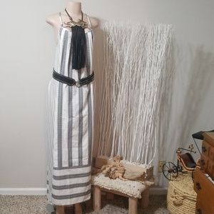 LIKE NEW! LOVE STITCH EMBROIDERED SHAPELSS MAXI!